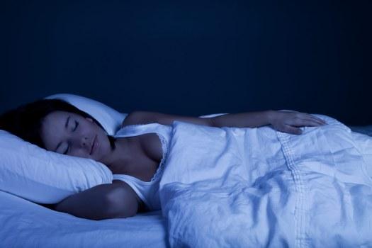 20-things-better-sleep-dark-bedroom.jpg