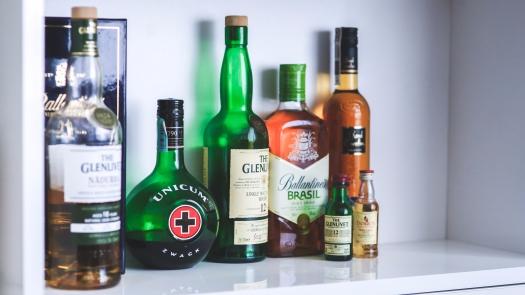 alcohol-bottles-drinks-party.jpg